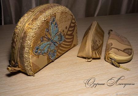 Косметичка с голубой  бабочкой ручной работы на заказ
