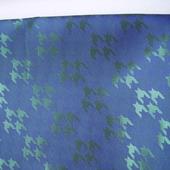 Отрезы подкладочной ткани, синей с зеленым (рисунок с углами) (№ 19)