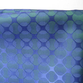 Отрез подкладочной ткани, синей с зеленым рисунком (круги) (№23)