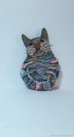 """Брошь-булавка """"Кошка создана из неги..."""" ручной работы на заказ"""