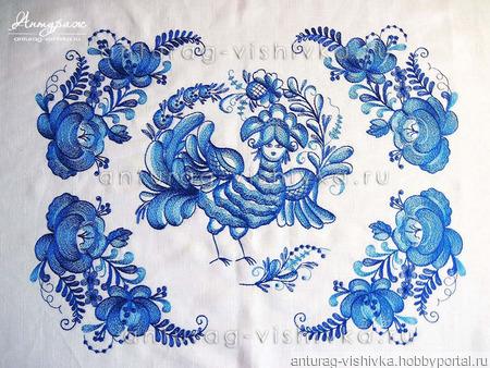 Вышитая скатерть в стиле Гжель ручной работы на заказ