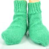 Зелёные пуховые носки для детей
