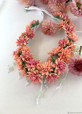 """Колье из цветов """"Медовая хризантема"""" ручной работы на заказ"""