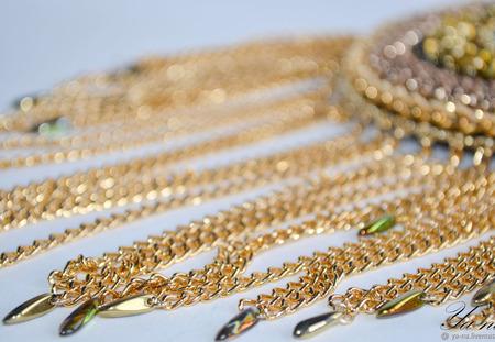 Эполет (погон) вышитый бисером, черно-золотой, гламурный, с цепями ручной работы на заказ