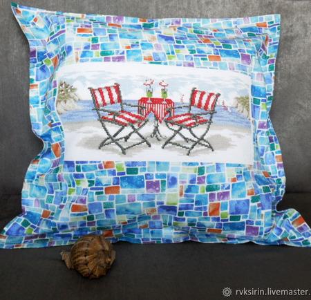 """Декоративная наволочка """"Морской пляж"""" с ручной вышивкой крестом ручной работы на заказ"""