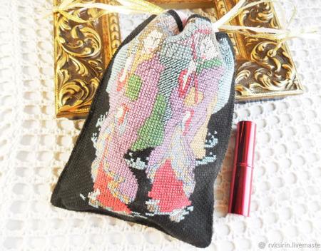 """Косметичка малая """"Ночная дорога Гейши"""" с ручной вышивкой крестом черная ручной работы на заказ"""