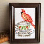 """Вышитая крестом картина """"Веселое чаепитие с красным попугаем"""""""