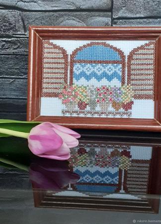 """Вышитая крестом картина """"Окно со ставнями и цветами"""" ручной работы на заказ"""