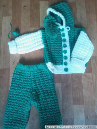 Вязаный детский костюм ручной работы на заказ