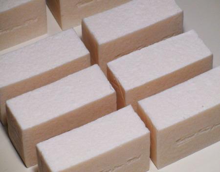 Натуральное мыло-парфюм «Белый Мускус» ручной работы на заказ