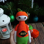 Авторская вязаная игрушка - кукла Мандаринчик
