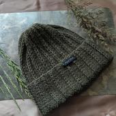 Вязаная шапочка-тыковка из объёмного акрила