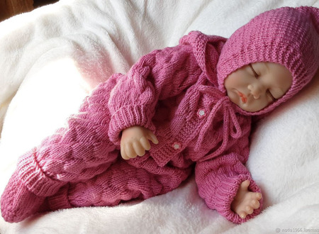 Комбинезон вязаный для новорожденного ручной работы на заказ