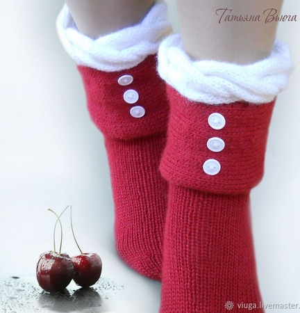 "Носки вязаные, шерстяные ""Зимняя вишня"" ручной работы на заказ"