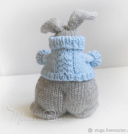 Игрушка зайка, интерьерная, авторская, вязаная спицами - Толстяк Робин ручной работы на заказ