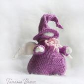 Ангел в фиолетовом. Игрушка интерьерная вязаная спицами
