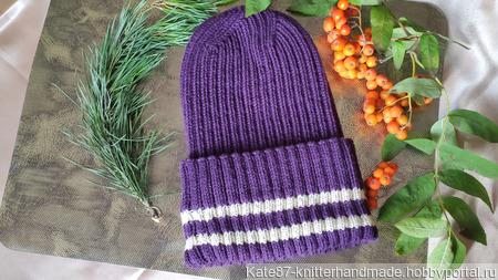 Женская вязаная шапка с интересной макушкой ручной работы на заказ