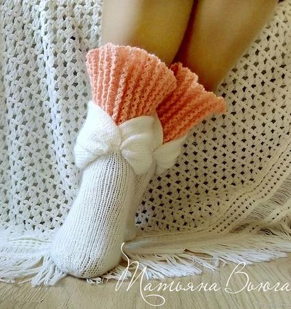 """Носки вязаные, шерстяные """"Цветение сакуры"""" ручной работы на заказ"""