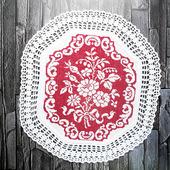 """Декоративная салфетка """"Букет роз"""" с вышивкой крестом и кружевом"""
