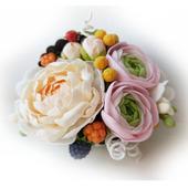 Композиция с цветами из полимерной глины