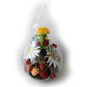 Интерьерная композиция с цветами и ягодами из полимерной глины