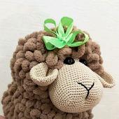 фото: овечка вязаная