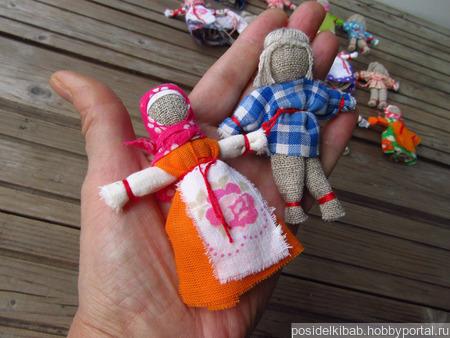Маленькая игровая куколка из ткани ручной работы на заказ