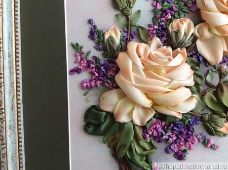 Картина «Ветка розы», вышита лентами ручной работы на заказ