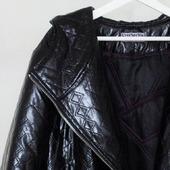 Пальто чёрное лаковое утеплённое Винил