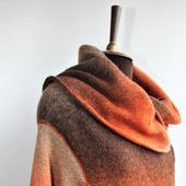 Вязаное круглое нарядное пальто демисезонное из шерсти Осеннее рыжее