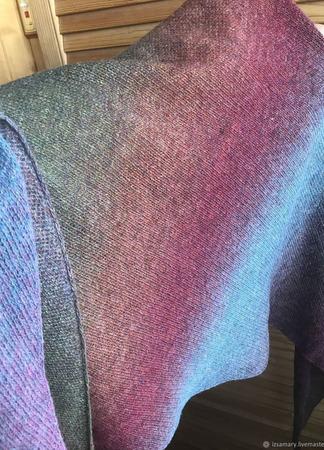 Разноцветный бактус из шерсти Кауни ручной работы на заказ