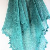 Шаль платок ассиметричная вязаная из итальянского кид-мохера Птица счастья