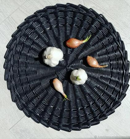 Плетеная декоративная салфетка ручной работы на заказ