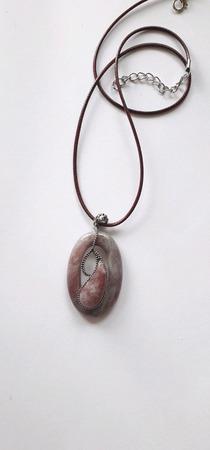 Серебряный кулон натурального клубничного кварца ручной работы на заказ