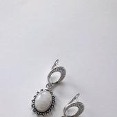 Серебряные серьги с  натуральным адуляром (лунным камнем)
