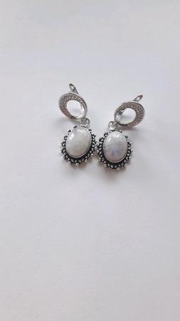 Серебряные серьги с  натуральным адуляром (лунным камнем) ручной работы на заказ
