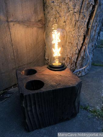 Настольная лампа Куб из дерева в стиле Кантри ручной работы на заказ