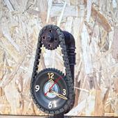 Настольные часы в стиле Лофт/Стимпанк из шестерен на подставке
