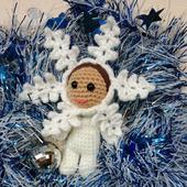 Интерьерная новогодняя кукла Снежинка вязаная