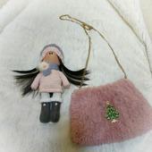 Детская сумочка и куколка-брелок
