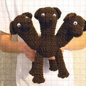 Вязаная игрушка «Трехголовая собака Цербер»