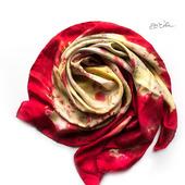 Красный шелковый платок ручной работы