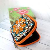 Бокс для наушников и мелочей в женской сумочке