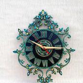 Часы настенные в технике точечной росписи