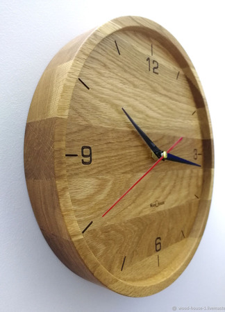 Часы настенные из дуба ЧД3 ручной работы на заказ