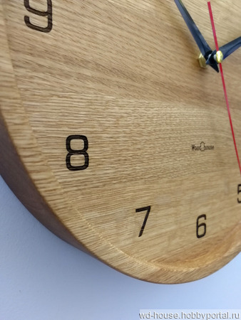 Часы настенные из дуба ЧД5 ручной работы на заказ