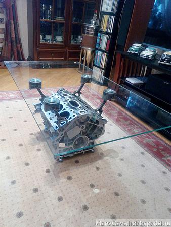Журнальный столик из блока цилиндров двигателя ручной работы на заказ