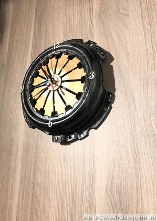 Настенные часы из сцепления ручной работы на заказ