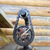 Настольные часы в стиле Лофт/Стимпанк/Индастриал из труб и шестерен