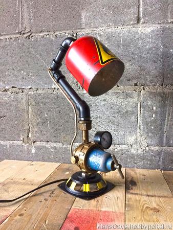 Настольный светильник в стиле Стимпанк/Дизельпанк ручной работы на заказ